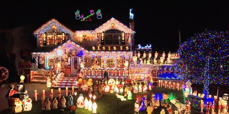 the-great-christmas-light-fight-1